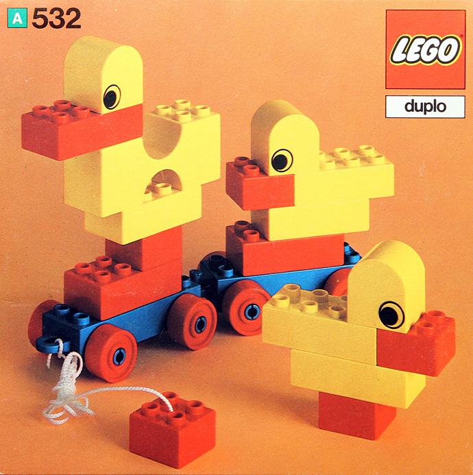 532 Pull-Along Ducks