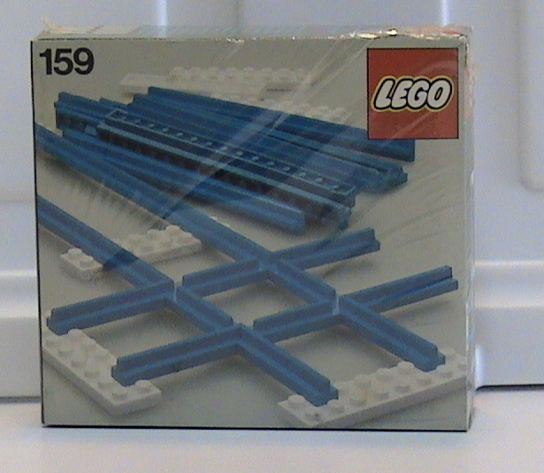 159 Straight Rails and Crossing