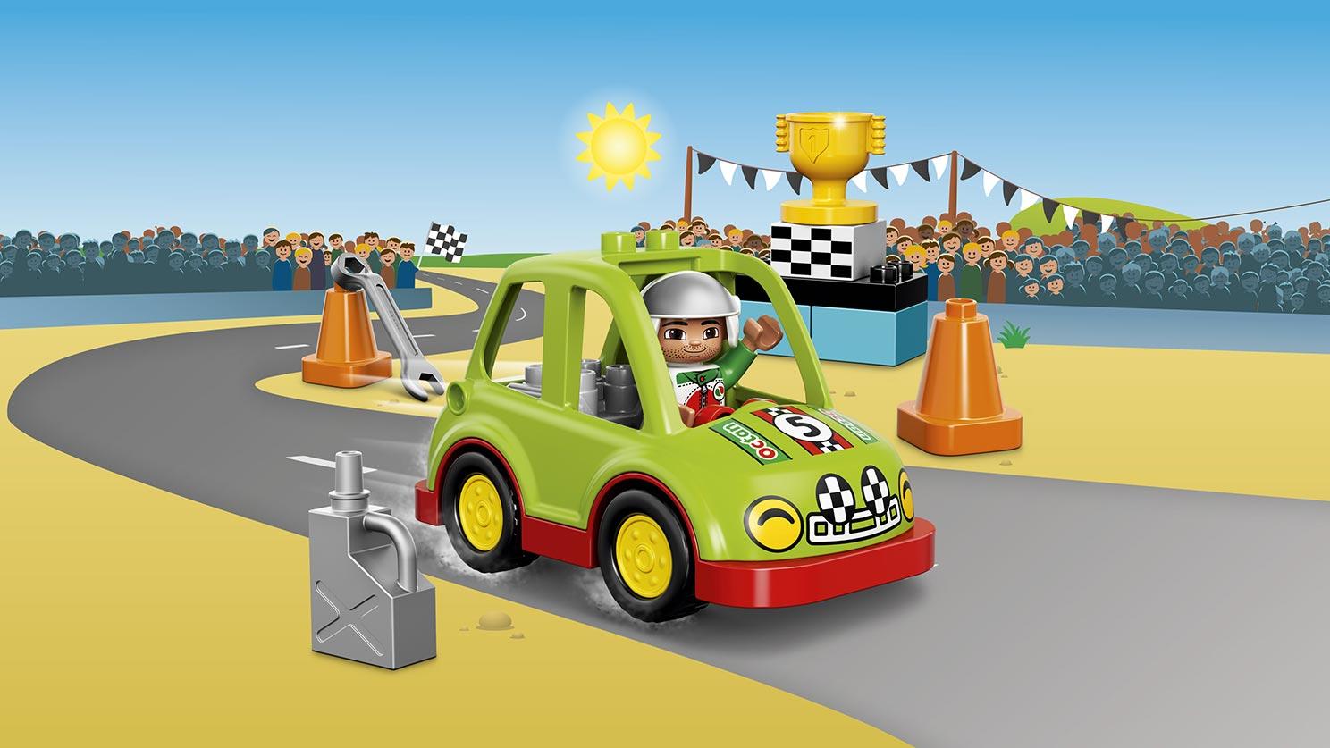 10589 La voiture de rallye