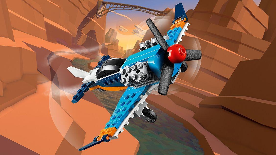 31099 L'avion à hélice