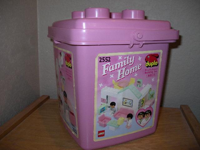 2552 Family Home Bucket