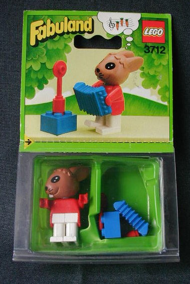 3712-Robby Rabbit and His Accordian.jpg