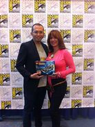 Masashi Togami et Claudia Wells SDCC 2013