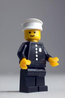 1978 police officer minifigure.jpg