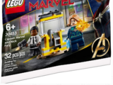 30453 Captain Marvel and Nick Fury