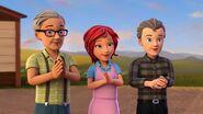 Grands-parents de Mia et voisin-Filles de la campagne