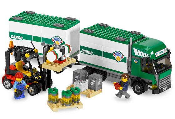 LKW mit Gabelstabler 7733