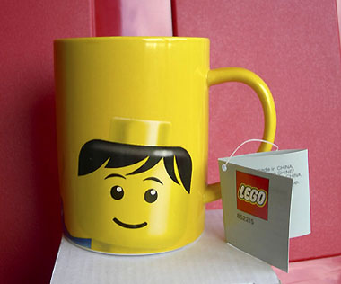 852215 Cup Mug, Minifig Head Male Pattern Yellow.jpg