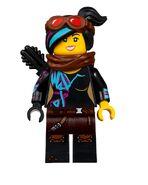 LEGO-Movie-2-70830-Sweet-Mayhem's-Systar-Starship-04-768x961