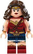 Lego-Superman-v-Batman-76046-Heroes-of-Justice-Sky-High-Battle-Set-Wonder-Woman-Minifigure