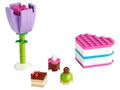 30411 La boîte de chocolats et une fleur