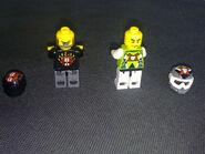 8896 Minifigures Back
