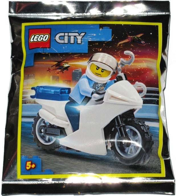 952001 Motorcycle Cop