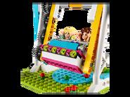 41133 Les auto-tamponneuses du parc d'attractions 4
