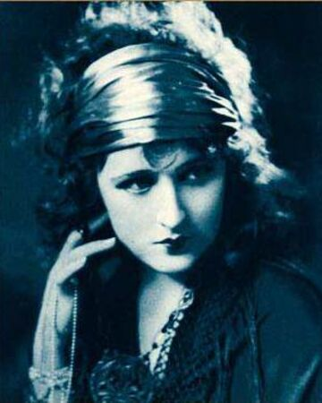 Ruth Clifford from Stars of the Photoplay.jpg