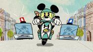 Mickey hi