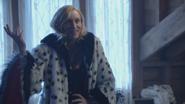 Cruella premier manteau fourrure