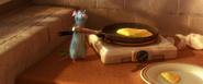 Rémy préparant l'omelette de Linguini