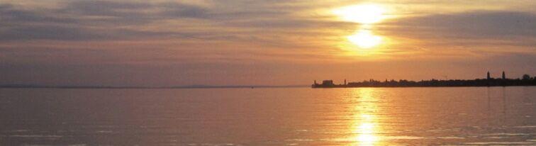 Kurz vor dem Sonnenuntergang ein Blick über die Insel nach WestSüdWest