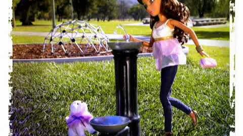 2010_LIV_dolls_w_dogs_commercial(HQ)