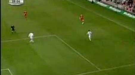 Gerrard v the mancs (Worthington Cup Final 2003)