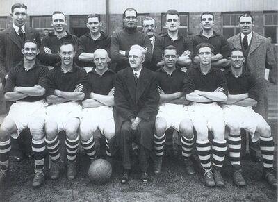 LiverpoolSquad1938-1939.jpg