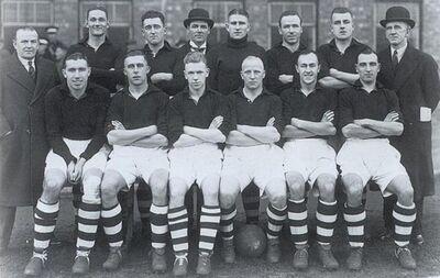 LiverpoolSquad1936-1937.jpg