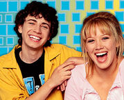 Gordo-and-Lizzie-lizzie-mcguire-16630429-371-299