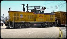 GS14B hauling freight.jpg