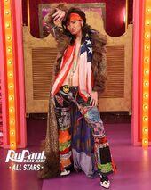 KylieHalfTimeShowLook