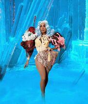 Dahlia Sin Frozen Look