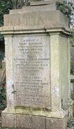 Farmily grave of Sir Thomas Owden