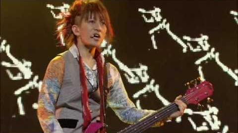 L'Arc~en~Ciel - Stay Away LIVE
