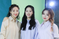 Pilates S BTS (Yves, Go Won, Olivia Hye) 1