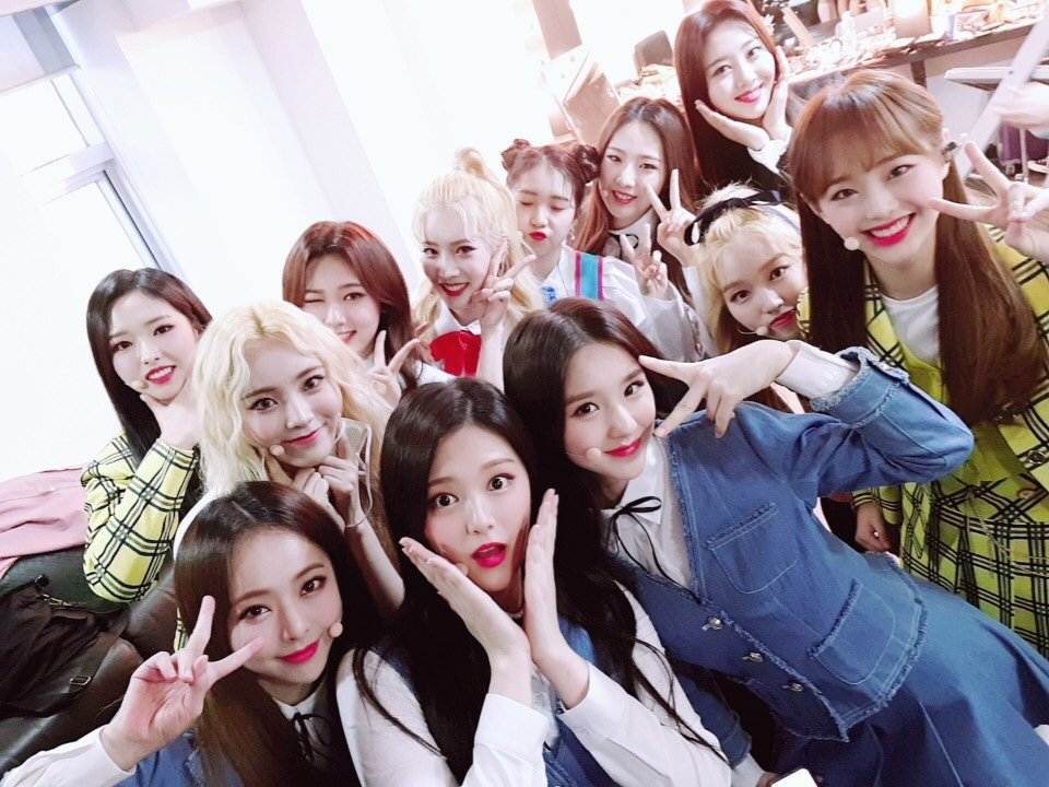 180603 SNS LOONA 2.png