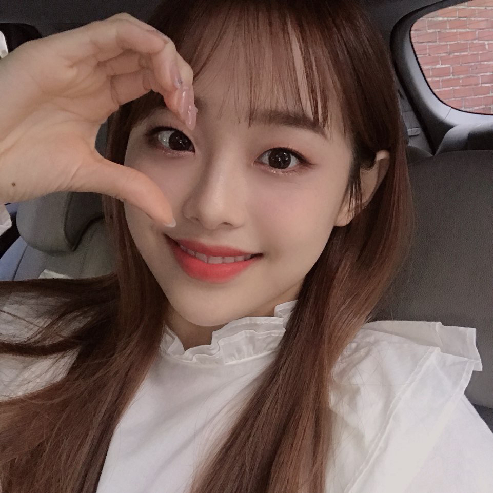 191228 FanCafe 2nd Anniversary Chuu 2.png