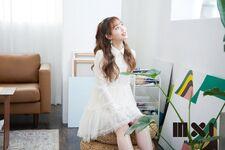 Chuu MXI Magazine 3
