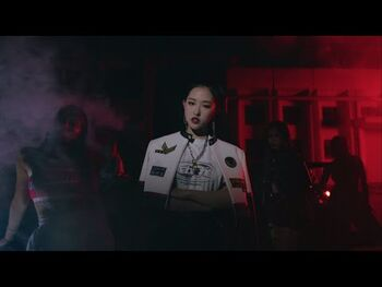 "-MV-_이달의_소녀_(LOONA)_""Why_Not?"""