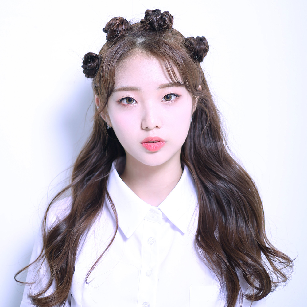 ++ Promotional Picture YeoJin.png