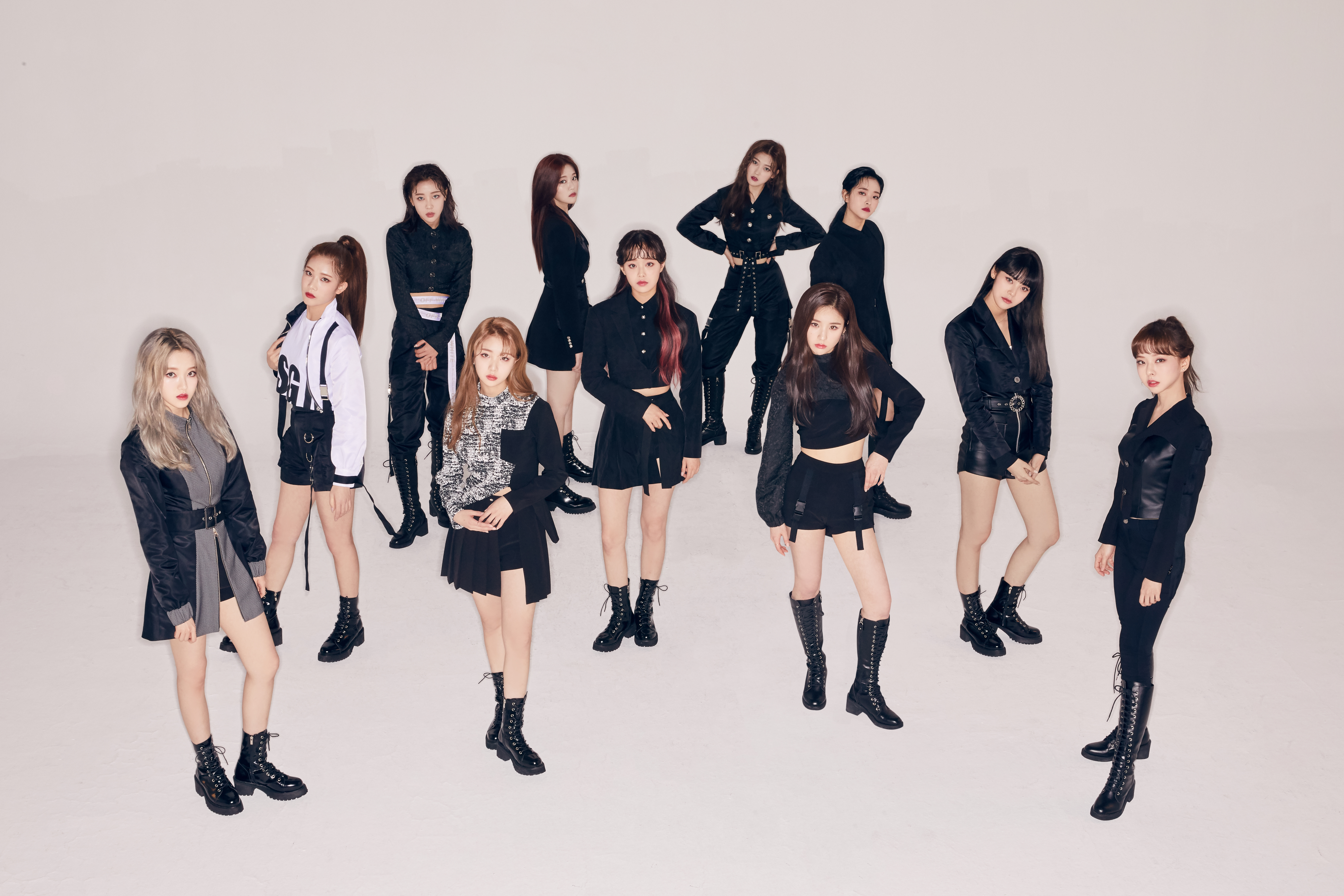 Hash Promotional Picture LOONA 2.png