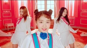 "MV_이달의_소녀_여진_(LOONA_YeoJin)_""키스는_다음에_(Kiss_Later)"""