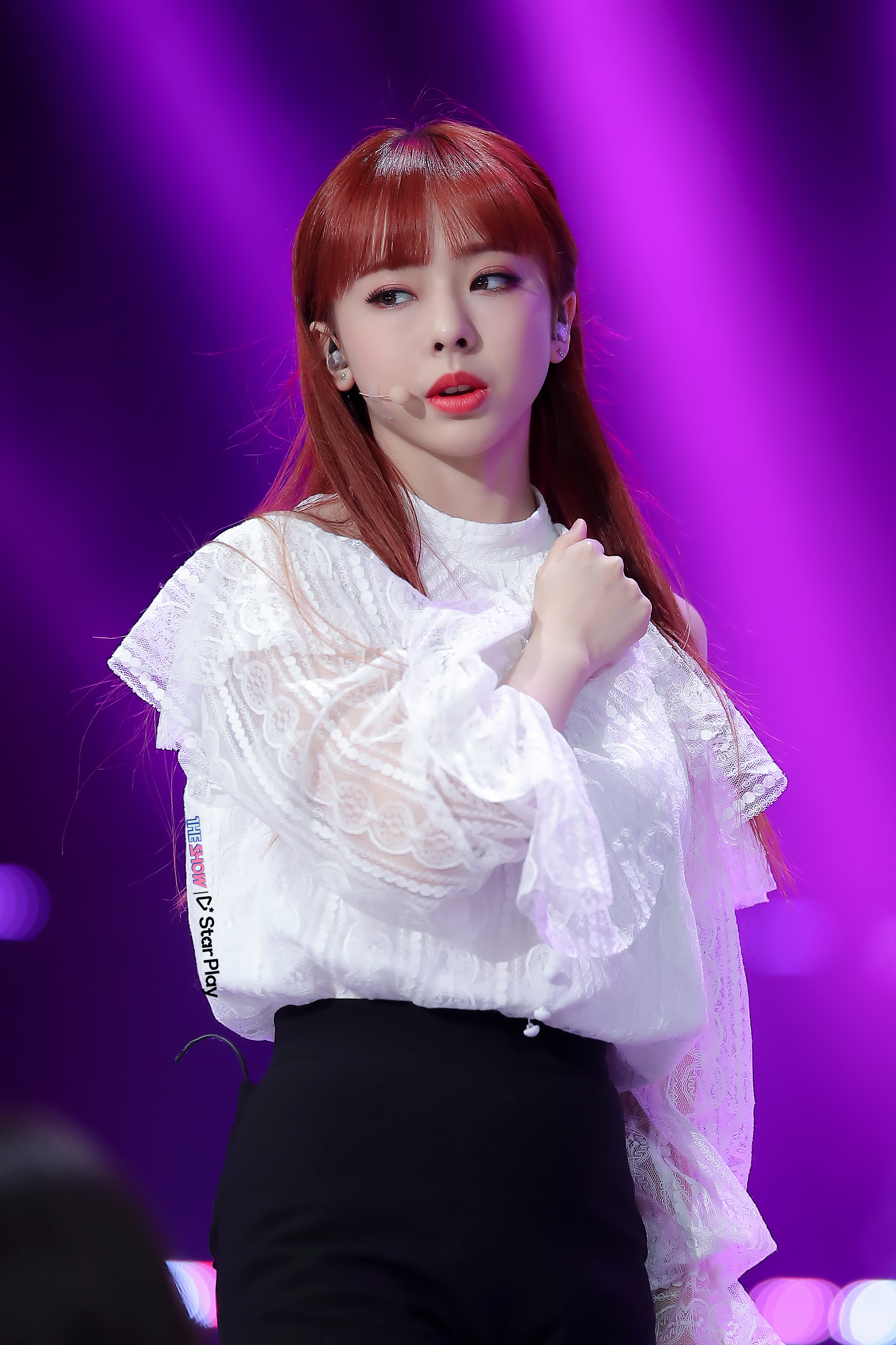 190305 THE SHOW Stage Butterfly ViVi.jpg