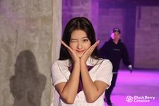 ODD EYE CIRCLE Sweet Crazy Love BTS 9