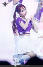 180823 Mcountdown Naver Hi High Chuu 2