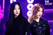 200212 THE SHOW Stage So What Choerry Olivia Hye