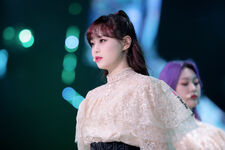 190312 THE SHOW Stage Butterfly Chuu