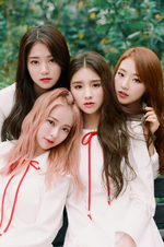 LOONA 1-3 Love and Live group photo 3