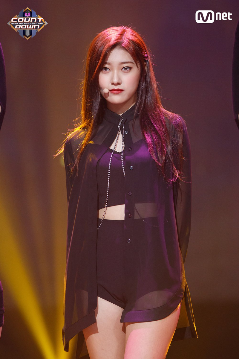 171102 ODD EYE CIRCLE Mcountdown Stage Sweet Crazy Love Choerry.png