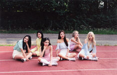 LOONA ++ B Limited Photocard 2