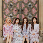 LOONA 1-3 Love and Evil group photo